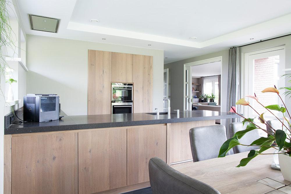 Landelijk Keuken Strakke : Keuken landelijk modern strak ingestucte kastenwand wood creations