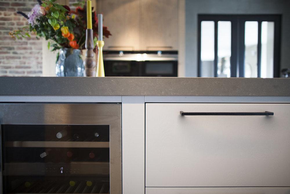 Stoere Keuken Wood : Lichte en stoere ruw eiken keuken met kookeiland van jp walker