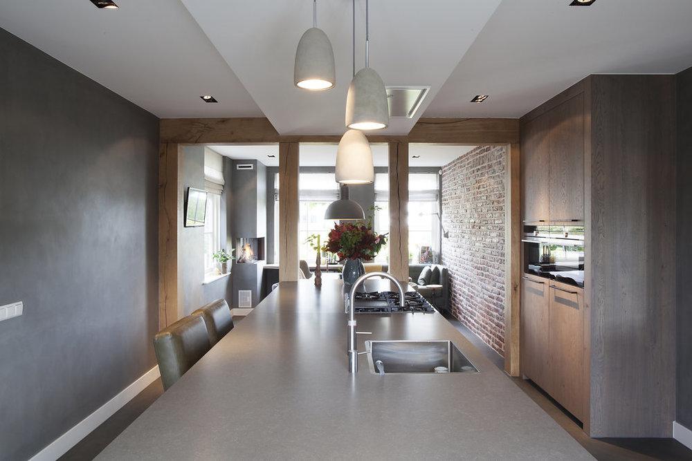 Stoere Keuken Wood : Keuken stoer gestoomd eiken in combinatie met mortex keuken door