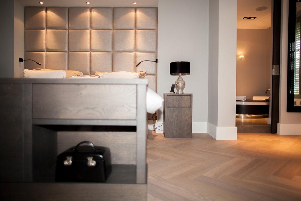 Slaapkamer en dressing in landelijk chique stijl wood creations
