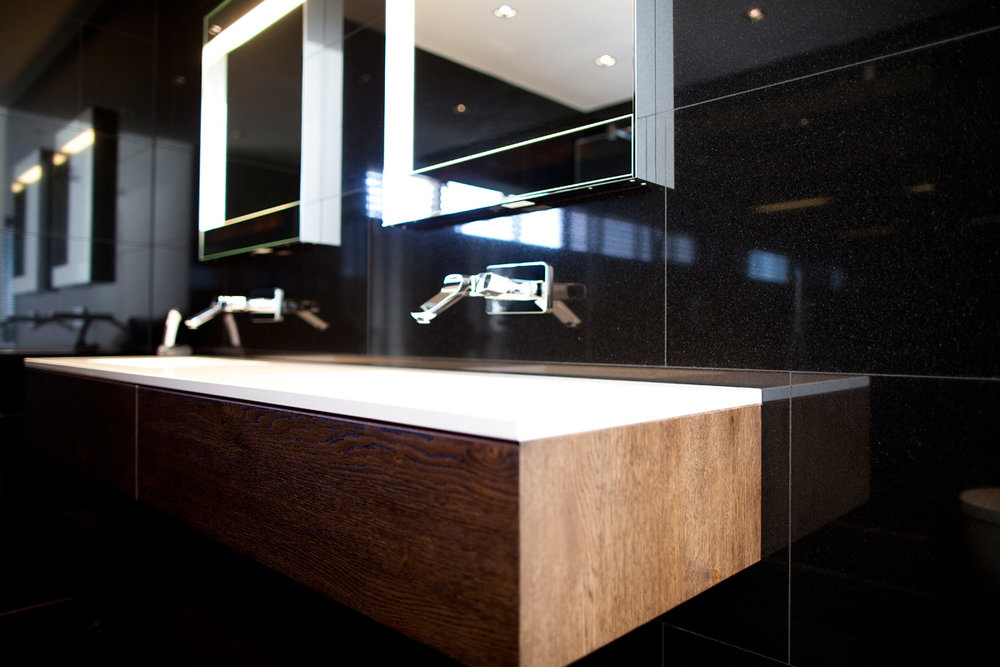 Badkamermeubel modern warm hout wood creations